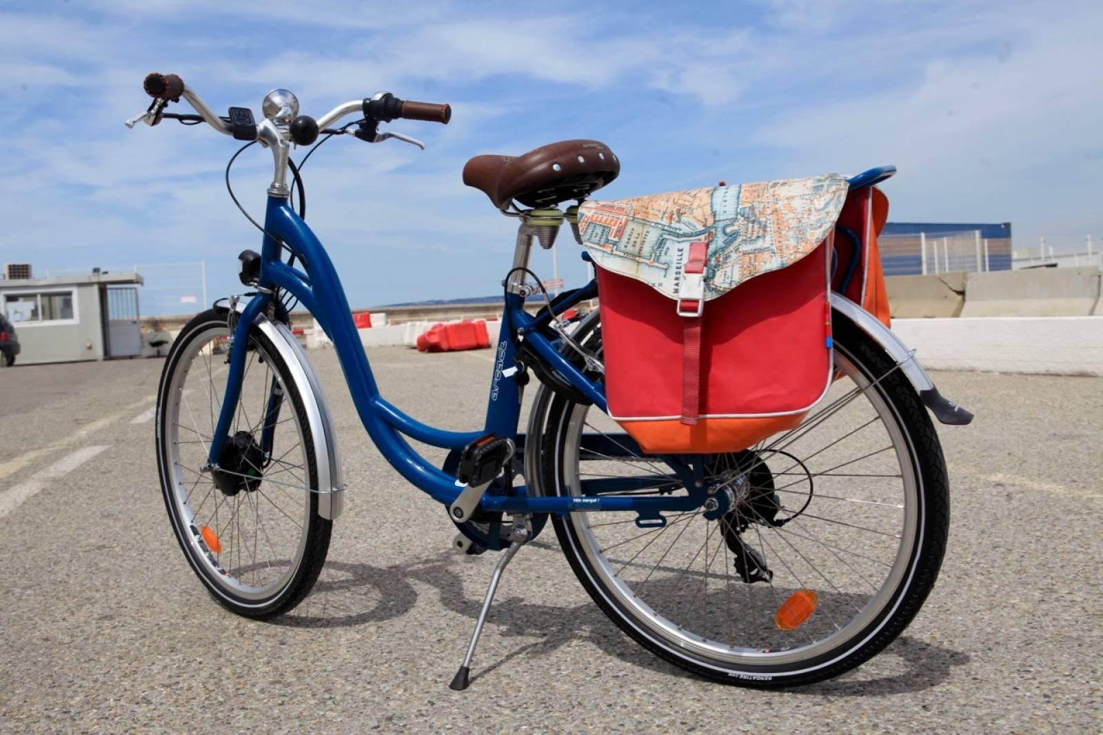 visite touristique en v lo lectrique marseille e bike tours consigne bagages pour. Black Bedroom Furniture Sets. Home Design Ideas
